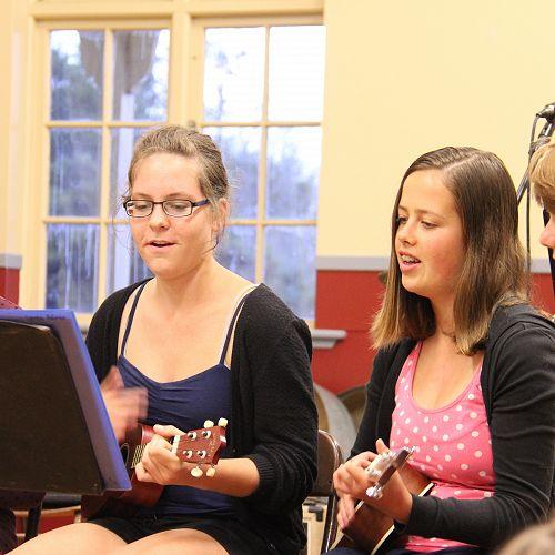 Music Camp ukulele singers