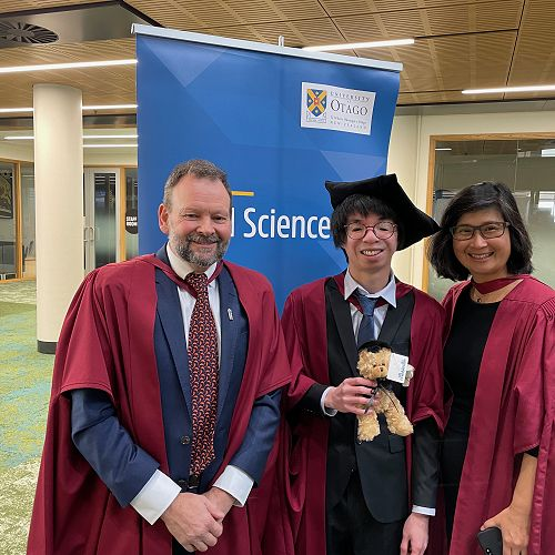 Food science PhD graduate Jonathan Chua with his primary supervisor Professor Phil Bremer (left) and Head of Department Professor Indrawati Oey (right)