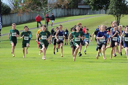 Zach Arundel, Thomas Swain, Sean Nicholson, Luke Spurr (obscured) and Daniel Nicholson begin the Year 8 Boys race