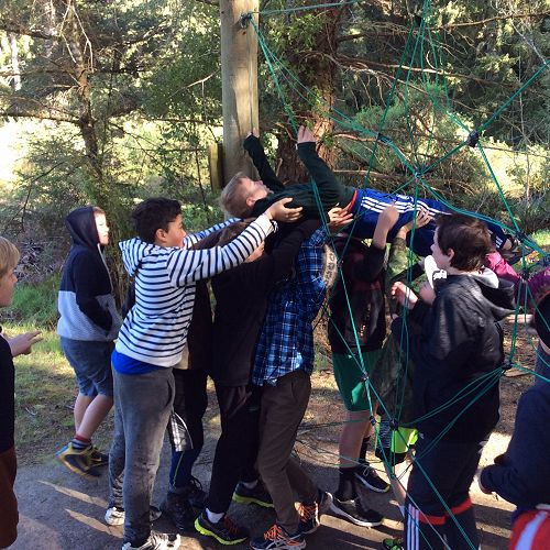 Gilray House negotiates the spider web at the initiative course