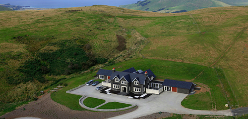 Camp Estate, 100 Camp Road, luxury lodge close to Larnach Castle.