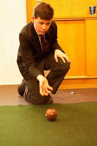 Jonty Horwell plays Indoor Bowls