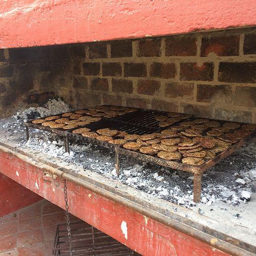 Hamburgers, real BBQ!