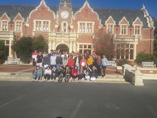 Students visiting Lincoln